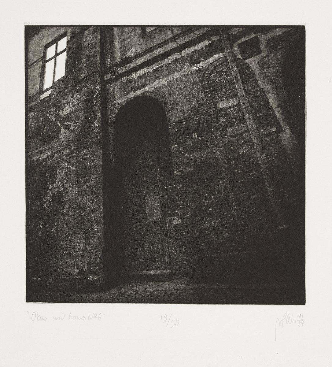 Okno nad bramą nr 6, 1984